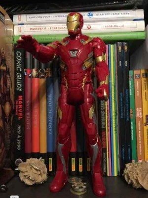 Magnifique Figurine articulée IRON MAN