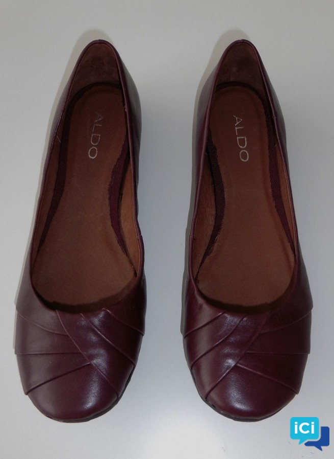 BALLERINES EN CUIR BORDEAUX MARRON. ALDO. POINTURE 39
