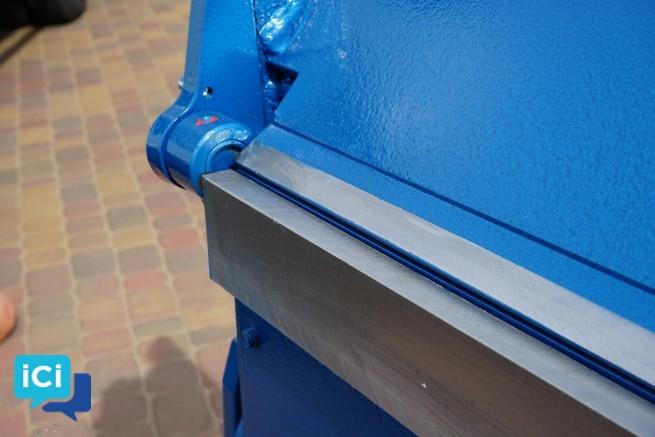 Plieuse  manuelle, modele ZGR 3140/1mm