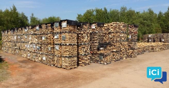 Bois de chauffage sec prêt à brûler