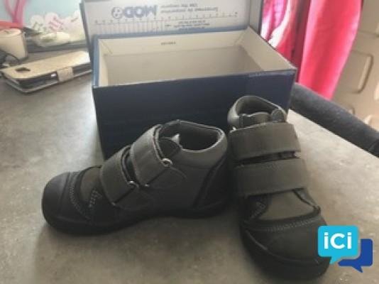 Chaussure petit garçon neuve